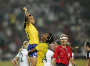 MARTA: A melhor do mundo marcou duas vezes no jogo que desclassificou os EUA da Copa do Mundo em 2007